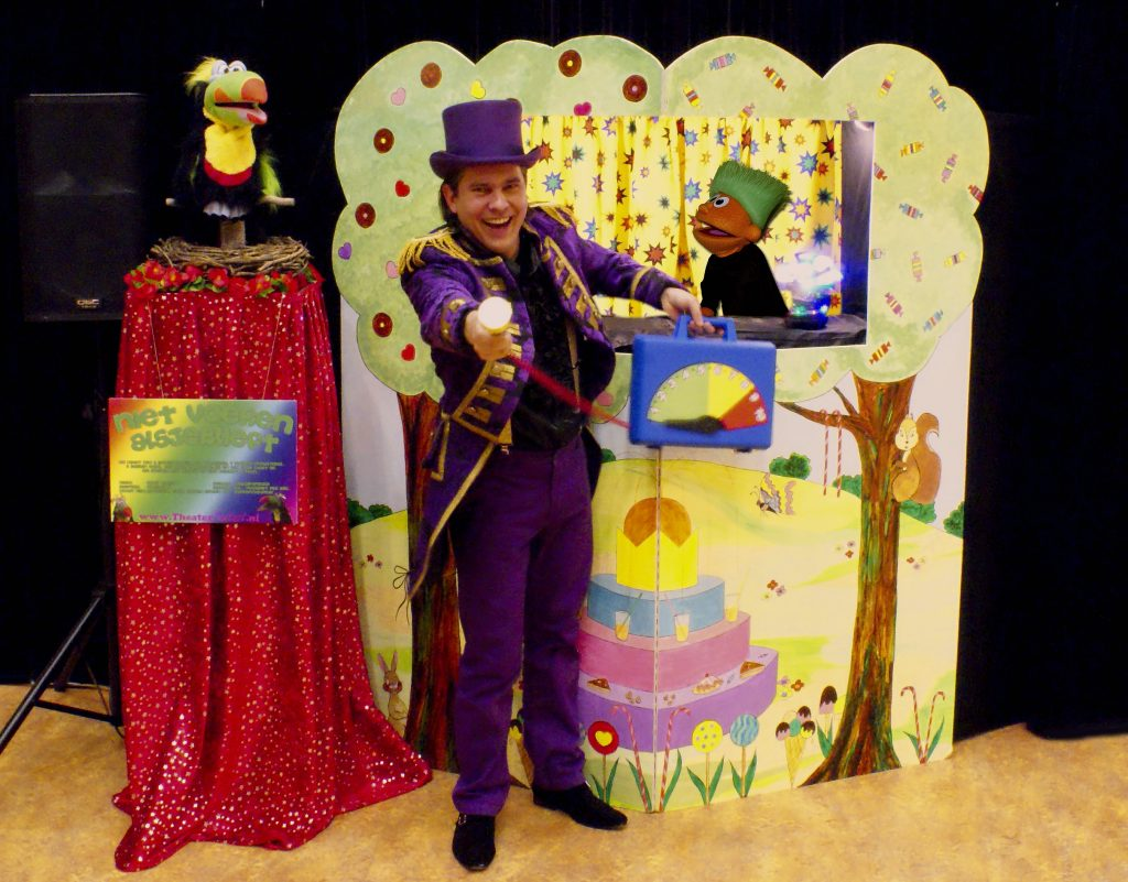 poppentheater 1 met optionele Tony Toekan 2